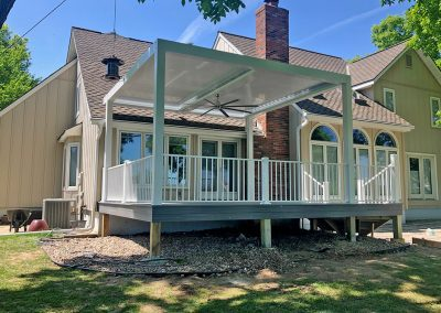 Sundance Louvered Roof deck cover
