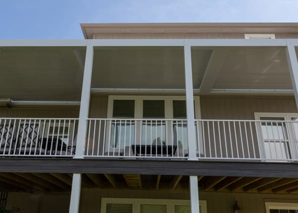 shade-louvered-roofs