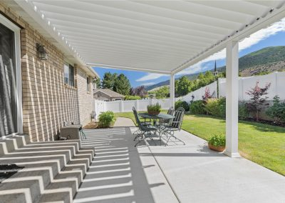 Patio louvered lines